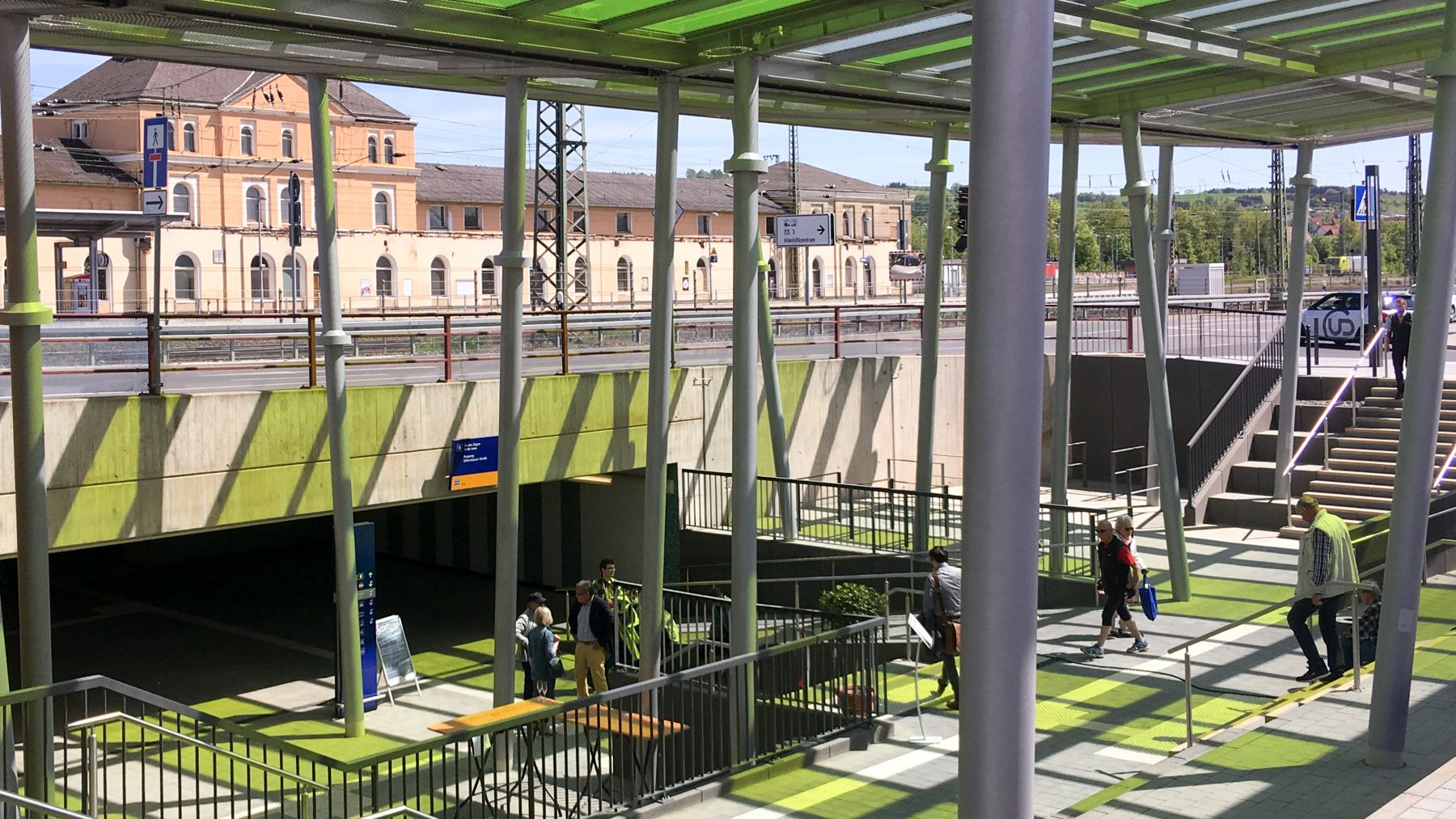 Neubau Dächer am Bahnhof Bebra