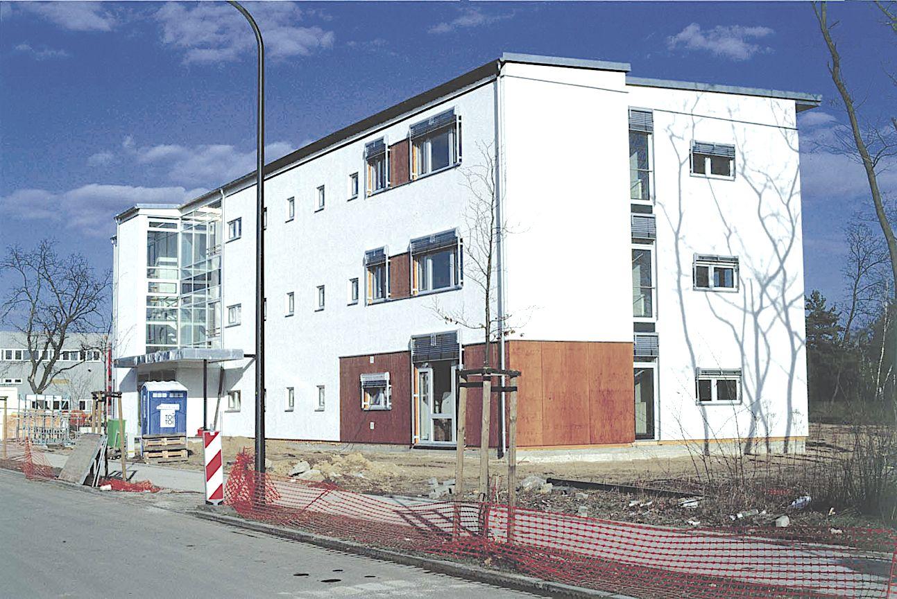 Neubau eines Bürogebäudes als Holztafelbau