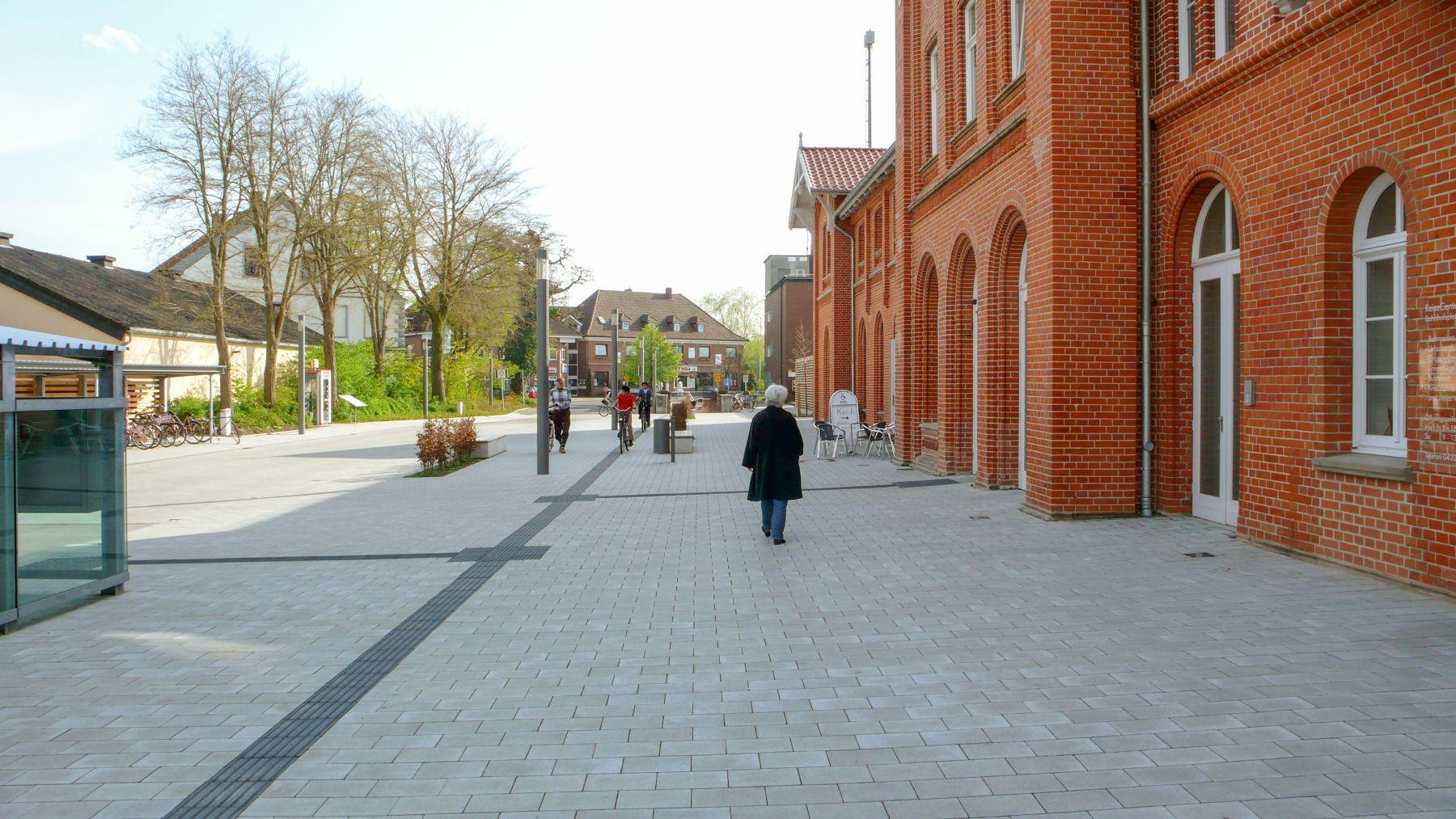 Sanierung Bahnhofsgebäude und neuer Vorplatz in Kirchweyhe